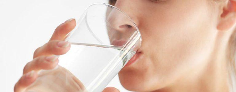 شرب الماء على معدة فارغة يحقق 11 تأثيرًا إيجابيًا حتميًا